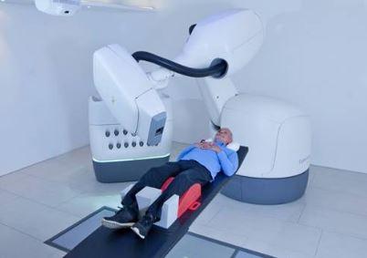CyberKnife, emplea el robot de Kuka para tratar tumores con precisión