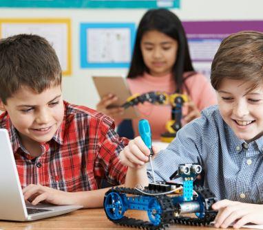 Se investiga tener la asignatura de tecnología a partir primaria